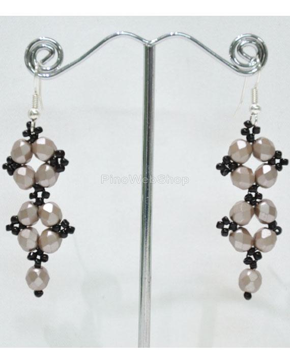 codice promozionale 3783c 0524c Orecchini con mezzi cristalli e perline