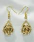 Orecchini dorati con rivoli incastonato con Perline e Perle